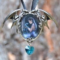 Amulet fantasy exclusive - Vodní elfka a drak