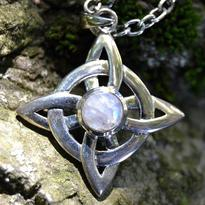 Amulet Síla Středu, měsíční kámen - stříbro Ag 925