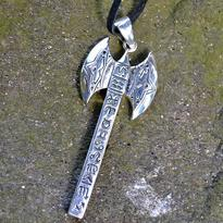 Amulet - Vikingská sekera, postříbřený