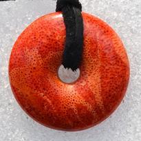 Donut kulatý 25 mm - korál červený