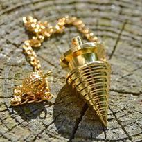 Kyvadlo soustružené zlatá barva