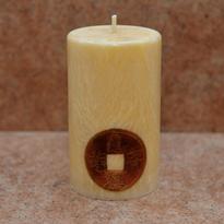 Svíčka s čínskou mincí štěstí malá 6 x 10 cm