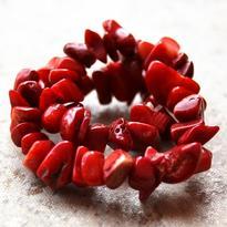 Náramek korál červený, tamblovaný