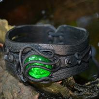 Fantasy náramek Tajemství lesní tůňky - zelená