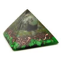 Orgonitová pyramida 5 cm, spiral - smaragd