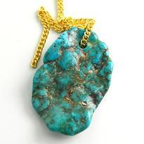 Vrtaný kámen přívěsek velký - Tyrkys Arizona pravý