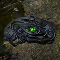 Fantasy spona Tajemství lesní tůňky - zelená