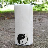 Svíčka Jin Jang velká bílá 7,6 x 15 cm