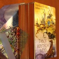 Tarot skrytých světů - karty a kniha