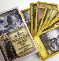 Tarot magického měsíce - kniha + 78 karet