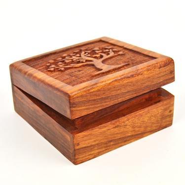 Dřevěná krabička vyřezávaná - Strom  - 1