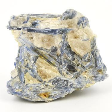 Kyanit (disthen) surový kámen - 04  - 1