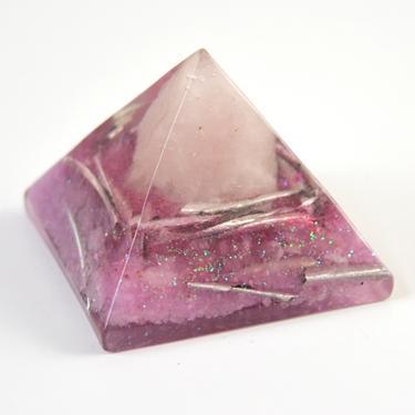 Orgonitová pyramida 5 cm, růžová - růženín