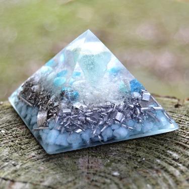 Orgonitová pyramida 5 cm, zelená - fluorit  - 1