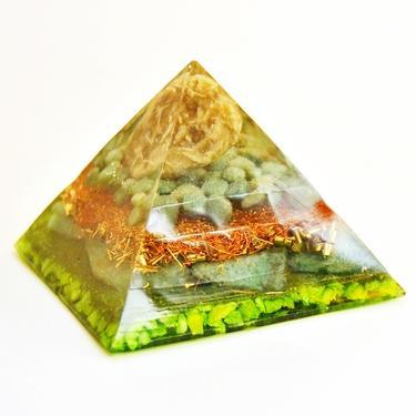 Orgonitová pyramida střední, zelená - serpentin