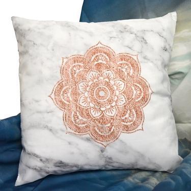Polštář - Květinová Mandala 40 x 40 cm