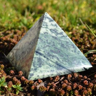 Pyramida Serpentin, 8 cm  - 1