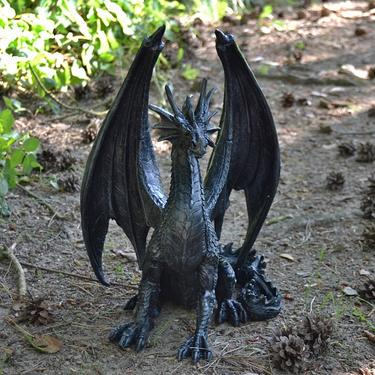 Socha exclusive mytology Černý drak Strážce 37 cm  - 1