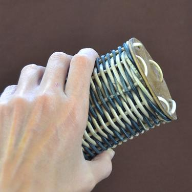 Chřestidlo Shaker Bali Caxixi z ratanu 10 x 8 cm  - 2