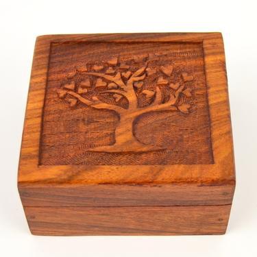 Dřevěná krabička vyřezávaná - Strom  - 2
