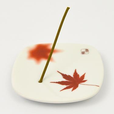 Stojánek na japonské vonné tyčinky - Javorový list  - 2