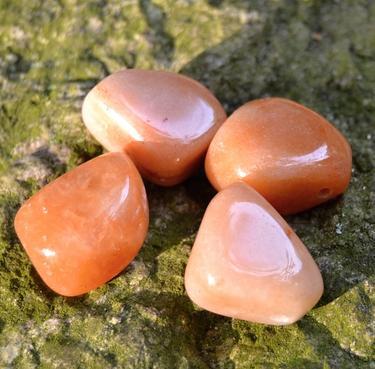 Vrtaný kámen přívěsek - Karneol  - 2